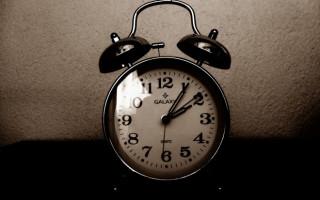 Saatler Neden Belli Dönemlerde İleri-Geri Alınır?